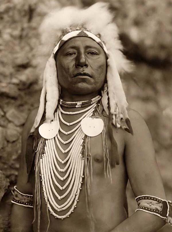 Indijanci na fotografiji i slici Proud-native-american